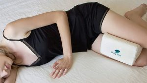 best-physical-therapist-press-pillows-for-hip-pain-bustle